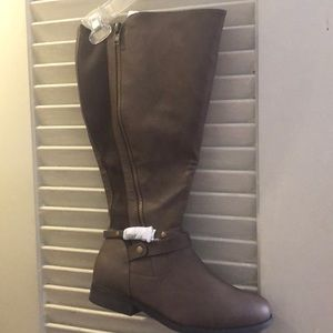 Taupe/ Brown Boots
